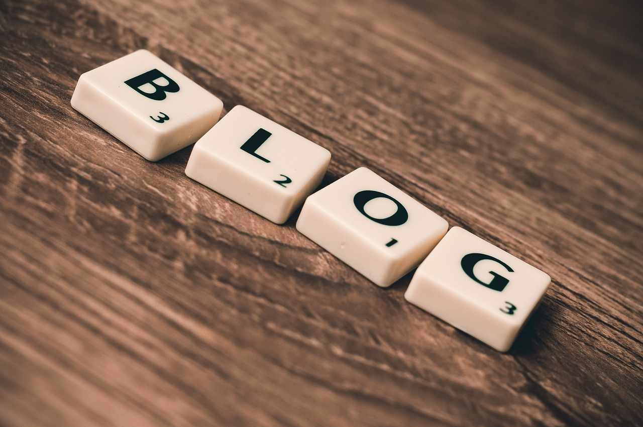 8 Do's and Don'ts for Nonprofit Blogging - Featured Image